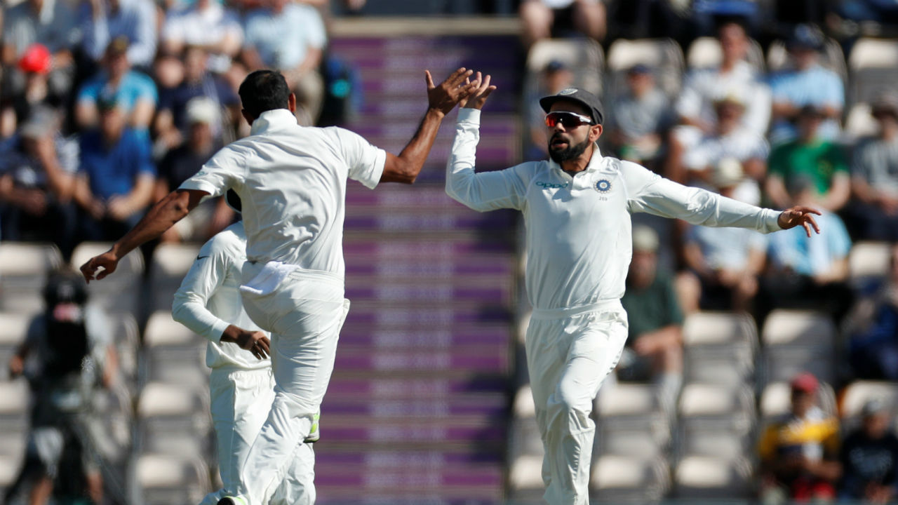 India started the day on a positive note as they got the wicket of Stuart Broad on the very first ball on Day 4. Broad nicked an away going delivery from Mohammed Shami which wicket-keeper Rishabh Pant pouched safely. (Image - Reuters)