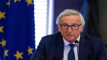 EU's Juncker wants bigger global role for euro