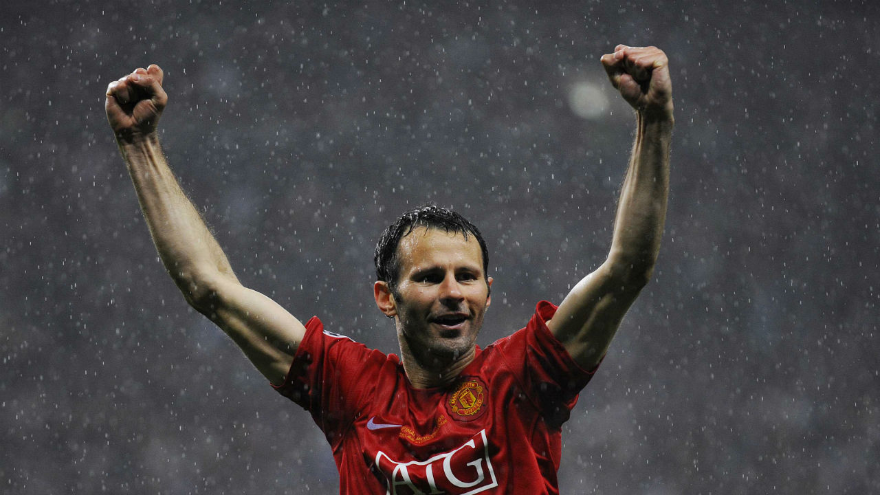 Ryan Giggs is the only player to have completed 22 seasons playing in the Premier League. He also holds the record for the most number of assists having registered a stunning 162 assists in 632 appearances. Those aren't the only two records he holds, as Giggs is also the most subbed off player in the league, having been substituted a total of 134 times. (Image - Reuters)