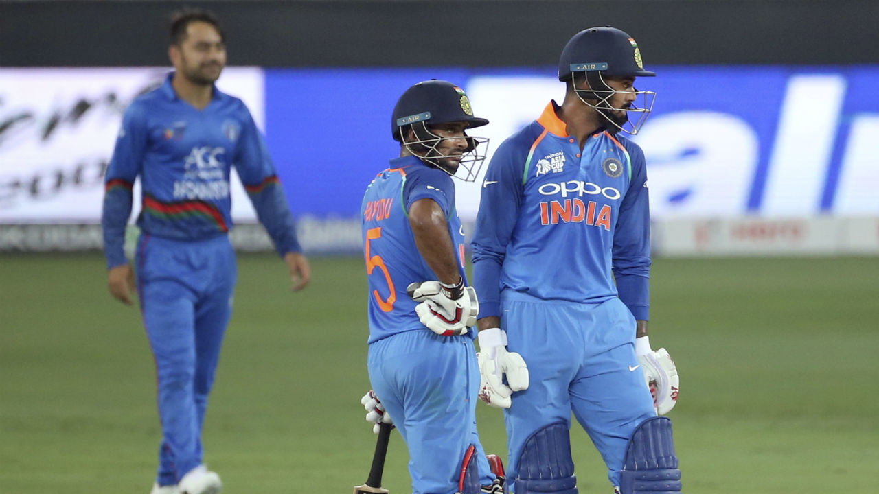 The new Indian opening partnership of K L Rahul and Ambati Rayudu impressed as they emulated Dhawan and Sharma in giving India a flying start. Rayudu was the first to reach his fifty and Rahul soon followed his opening partner in reaching the landmark. At the end of 16 overs India's score read 103/0. (Image: AP)