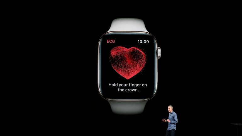Apple Watch Series 4's ECG feature helps doctor save a life in a restaurant