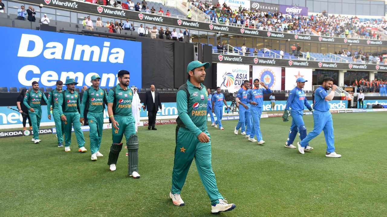 Pakistan won the toss and decided to bat. India were unchanged from their previous game against Bangladesh. Pakistan made two changes to their side with Mohammad Amir and Shadab Khan coming back into the side at the expense of Haris Sohail and Usman Khan. (Image: ICC)