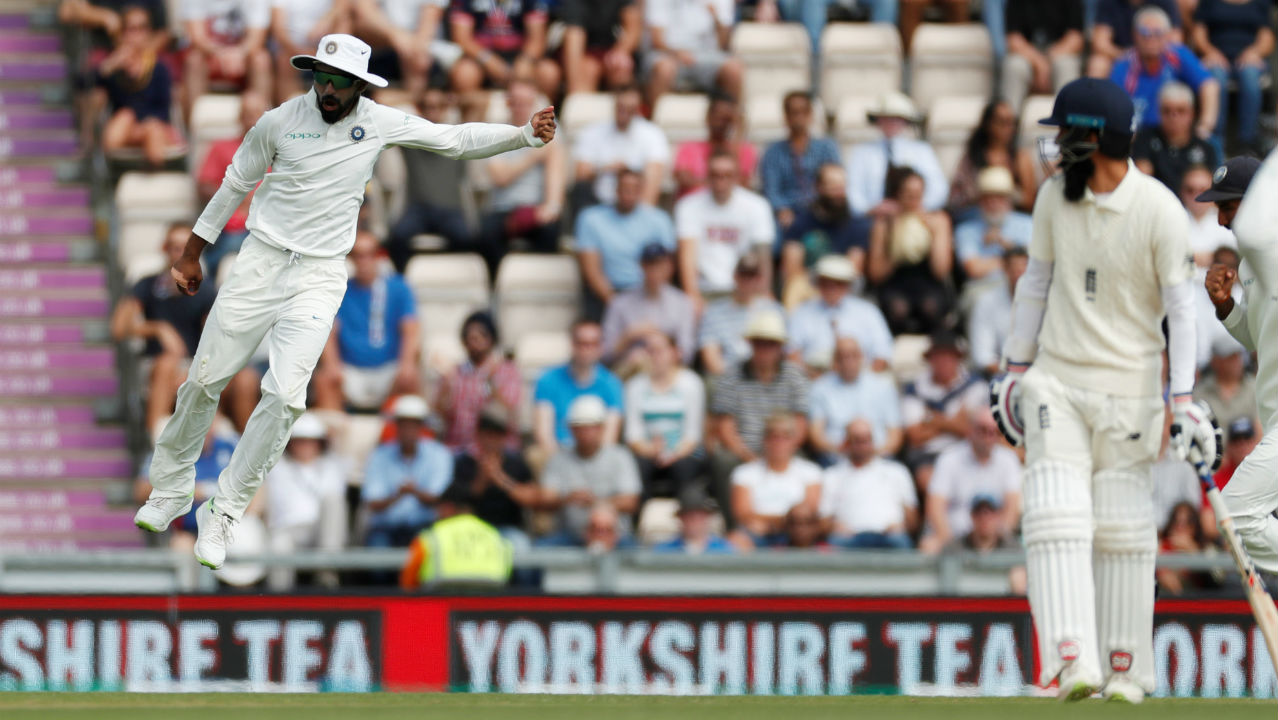 England promoted Moeen Ali to number three but the experiment backfired when K L Rahul took a stunning catch to dismiss him off an Ishant Sharma delivery. England were down to 33/2 at that point. (Image - Reuters)