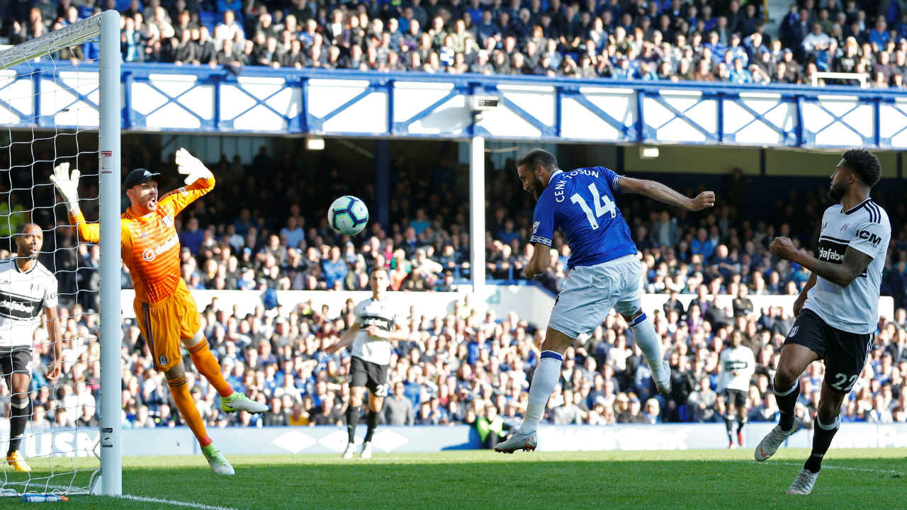 Everton 3 – 0 Fulham | Gylfi Sigurdsson hit the crossbar when Everton were awarded a penalty early in the second half. However, he atoned for his mistake shortly after that when he scored in the 56th minute with a powerful left-footed shot. Cenk Tosun doubled the lead 10 minutes later when he headed home a cross from Theo Walcott and Sigurdsson made it 3-0 with a crisp finish in the 89th minute. (Image: Reuters)