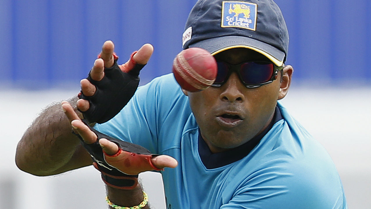 Most catches in career | Mahela Jayawardene holds the record for most number of catches having taken a stunning 440 catches during his career. Jayawardene represented Sri Lanka in a career spanning from 1997 to 2015. (Image: Reuters)