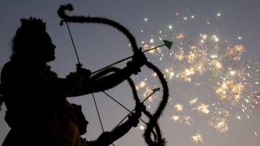 Happy Dussehra 2018: Top messages to share with your loved ones to make the day special