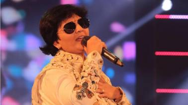 Love for Garba music is the same across the world, says Dandiya Queen Falguni Pathak