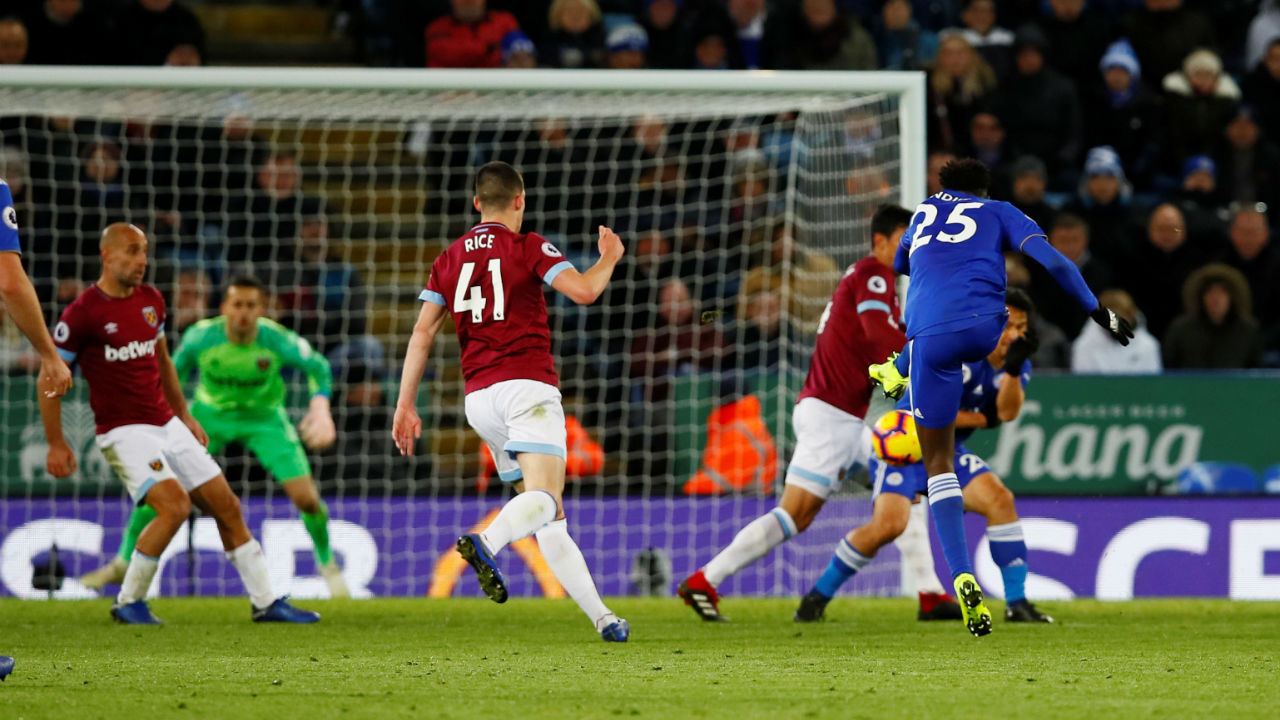 Leicester City 1 - 1 West Ham United | Wilfred Ndidi netted a dramatic late equaliser to help Leicester City secure a 1-1 draw with West Ham United, who played more than half the game with 10 men after Mark Noble was given marching orders by the referee in the 38th minute. Fabian Balbuena netted his first Premier League goal on the half-hour mark to put Hammers in front. The home side threw everything at the West Ham goal but it was only in the 89th minute Leicester finally drew level when Ndidi picked up the ball 25 yards from goal and his shot deflected off Balbuena and into the back of the net. (Image: Reuters)