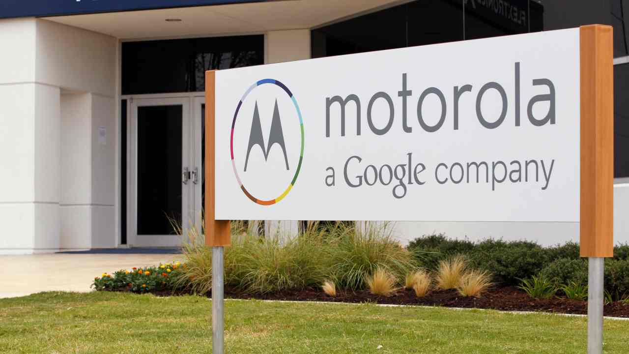 Motorola waited too long | With a worldwide market share of 22 percent, Motorola was one of the biggest mobile phone manufacturers in the mid-2000s. However, their lack of interest or complacency in entering the smartphone market (not manufacturing one until 2010), came in as a major blow. Shares of the company plunged from $72 in February 2006 to $12 three years later. After suffering a loss of $4.3 billion between 2007 and 2009, the company disjointed into two separate autonomous companies, Motorola Mobility and Motorola Solutions in 2011. - Source: Finance Monthly. (Image: Reuters)