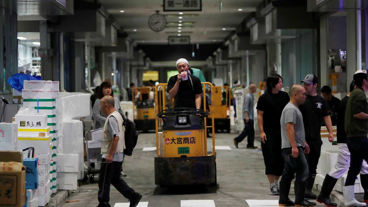 Over the years, the market had dilapidated and health inspectors had constantly warned against its unsanitary conditions. However, the move to Toyosu had been continuously delayed and postponed, since city officials decided on it about 17 years ago. (Image: Reuters)