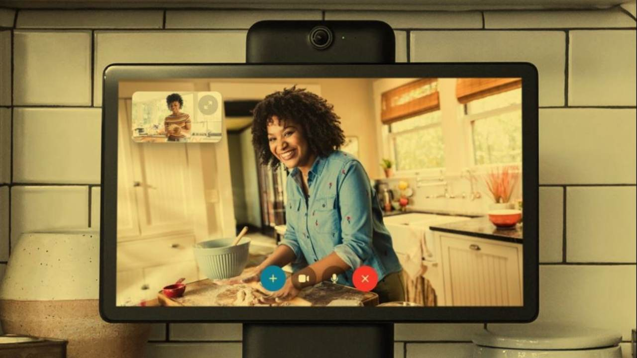 Q4. The thing is called Portal and it wants to live on your kitchen counter or in your living room or wherever else you'd like friends and family to remotely hang out with you. Portal adjusts to keep its subject in frame as they move around to enable casual at-home video chat. Who has launched this portal? (Image: Facebook page)