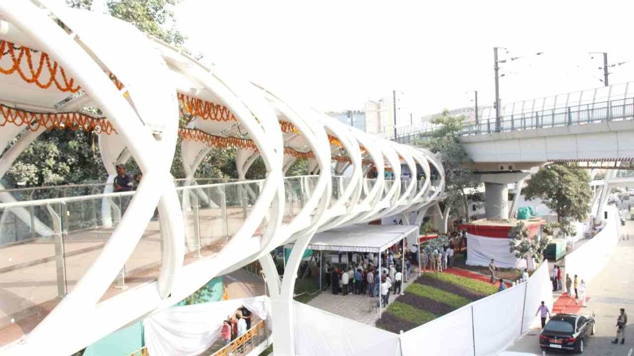 The skywalk will have 6 passenger lifts with a capacity to carry 20 persons and another lift with a capacity of 16 persons. Solar PV modules, Wi-Fi, CCTV have also been provided in the skywalk and FOB. LED fittings have also been provided. The entire structure is under CCTV surveillance.