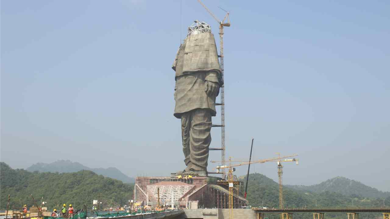 Sculptor Ram Suthar, made a few replicas of the statue and created a 30-feet bronze one that was scanned into electronic data to make the 597-feet (182 meters) Sardar Patel statue. (Image: L&T)