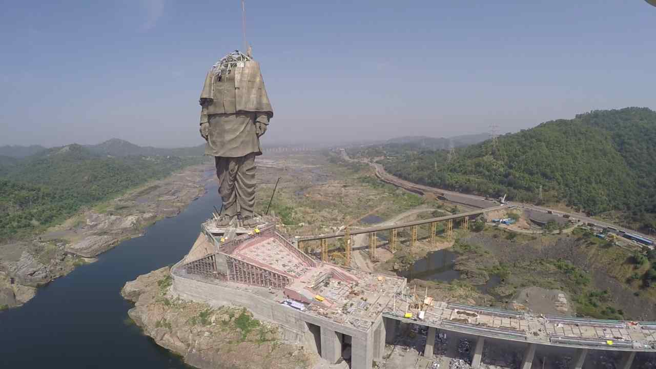 One of the chief attractions, the viewing gallery at 135 meters, will be accessible through two elevators located in the statue's core, with a carrying capacity of 40 people each. The gallery, with space to accommodate up to 200 people at a time, will have a view of the Satpura and Vindhyachal mountain ranges. Visitors can get a distant view of the Sardar Sarovar Reservoir, and the 12-km-long Garudeshwar Reservoir — the latter will help ensure there is always water around the statue, which is located downstream Narmada dam. (Image: L&T)