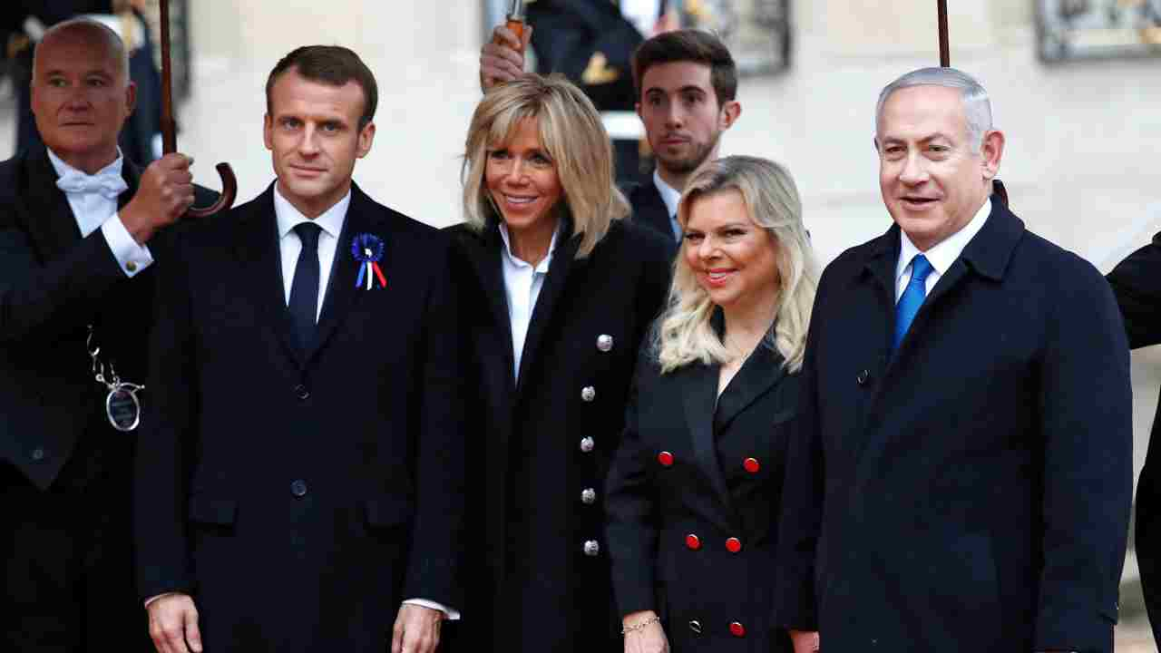 Israeli Prime Minister Benjamin Netanyahu, right, and his wife Sara, second right, are greeted by French President Emmanuel Macron, left, and his wife Brigitte Macron as they arrive at the Elysee Palace in Paris to participate in a World War I Commemoration Ceremony. International leaders are taking place in a ceremony in Paris to mark the 100th anniversary of the end of World War I. (AP/PTI)