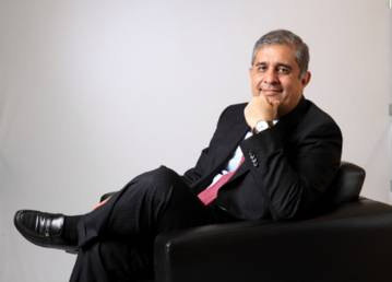 Axis Bank inducts Amitabh Chaudhry on its board