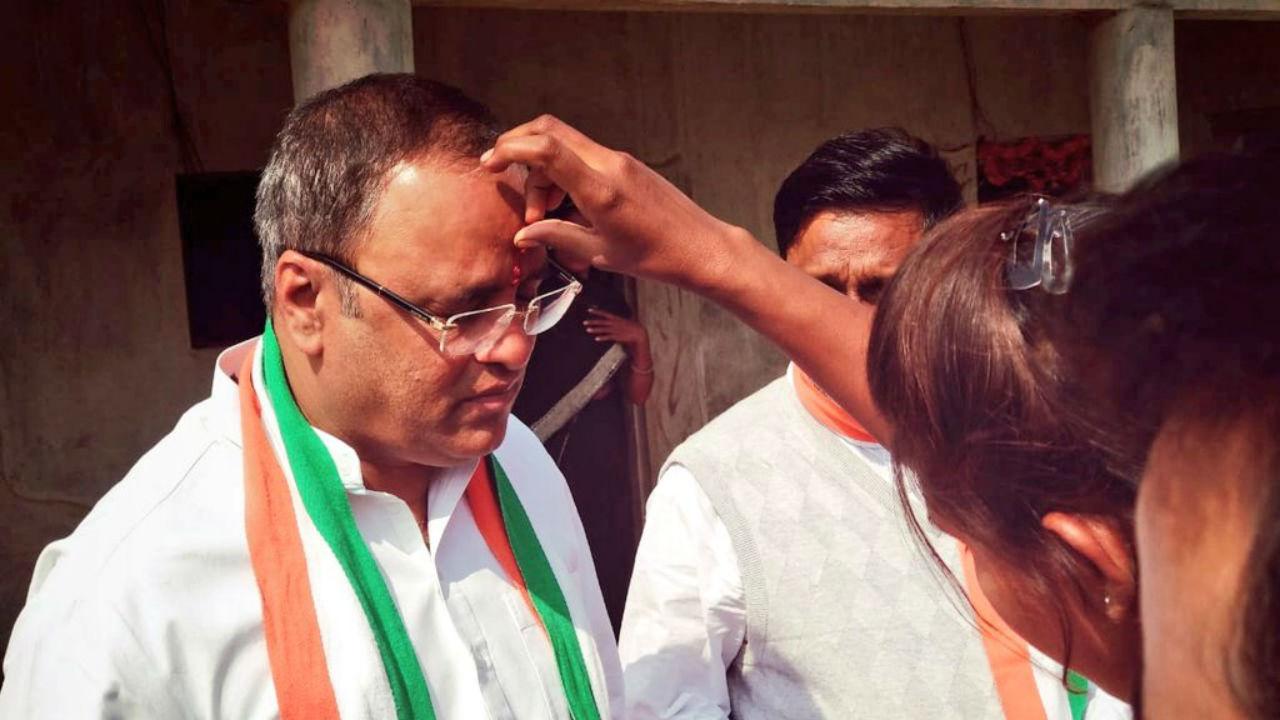 Congress leader and former Madhya Pradesh Congress unit chief Arun Yadav during campaign on November 21, 2018. (Image: Twitter.com/@MPArunYadav)