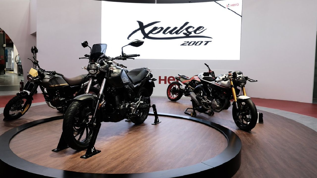 Hero Xpulse concepts | With the XPulse 200 not making an appearance at this auto show either, Hero Motocorp did give us four concepts to gawk at: XPulse 200 Scrambler, XPulse 200 Café Racer, XPulse 200 Desert and XPulse 200 Flat Tracker. All the bikes will be based on the XPulse 200 but will sport slightly different styling and components to perform different duties. (Image source: Hero Motorcorp)