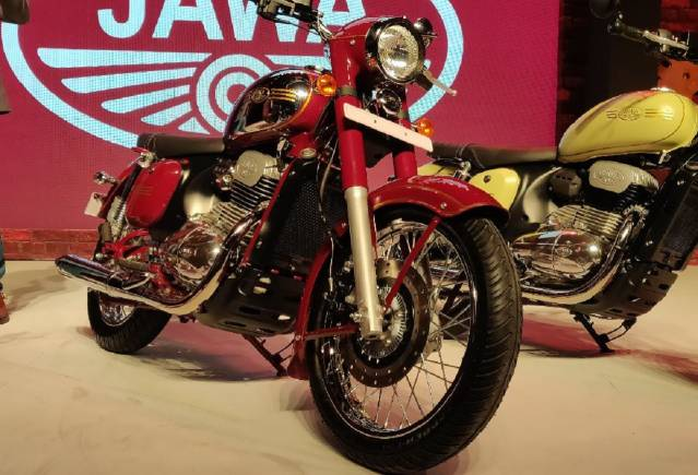 After Jawa made a dazzling comeback to the Indian market with three models, Royal Enfield renewed their image with two new bikes and popular motorcycle brands came up with a flurry of new models, the Indian automotive market was suddenly abuzz with the clash of old vs new, classic vs modern and so on.