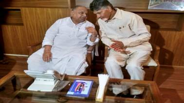 Chandrababu Naidu meets Mulayam Singh Yadav ahead of 2019 Lok Sabha election