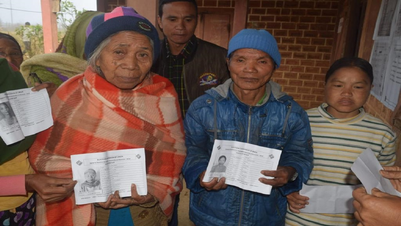 Voters at Siachangkawn, Lawngtlai East PS. (Image: AIR News Aizawl)