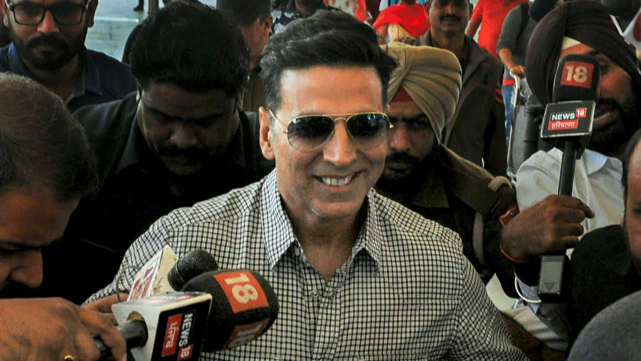 Bollywood actor Akshay Kumar at Chandigarh airport after appearing before the Special Investigation Team (SIT) of Punjab Police in connection with the 2015 police firing incidents at Behbal Kalan and Kotkapura in the state following cases of sacrilege in Faridkot, in Chandigarh. (PTI)