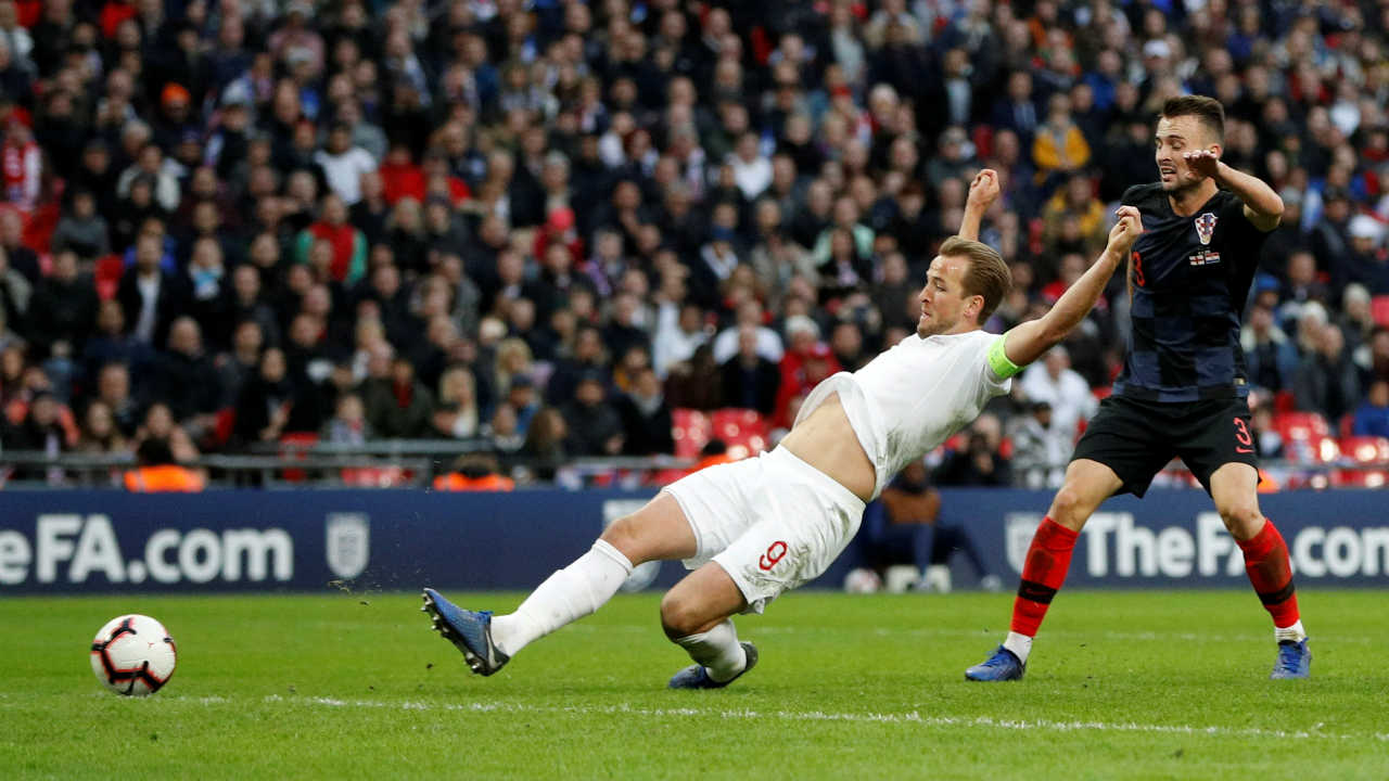 England staged a superb late comeback as they beat their World Cup semi-final conquerors to reach the finals of the UEFA Nations League. Croatia were leading thanks to a goal from Andrej Kramaric before substitute Jesse Lingard equalized with 12 minutes left. Harry Kane grabbed the winner when he slid in Ben Chilwell's free-kick. (Image: Reuters)