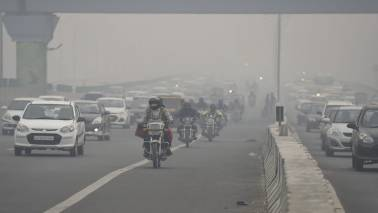 Delhi's air quality oscillating between 'very poor' and 'severe' categories