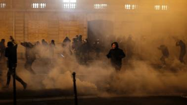 Police bracing for more violent protests: Paris