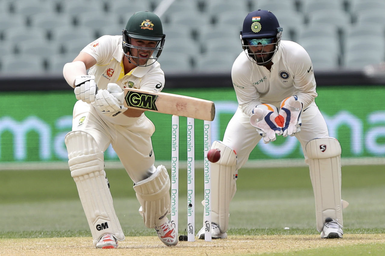 Runs were hard to come by in the second session as Travis Head and Peter Handscomb added 33 runs to their partnership and took Australia to 117/4 at Tea. (Image: AP)