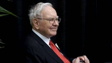 Here's what Warren Buffett thinks about the idea of 'predicting how stocks will behave next week'