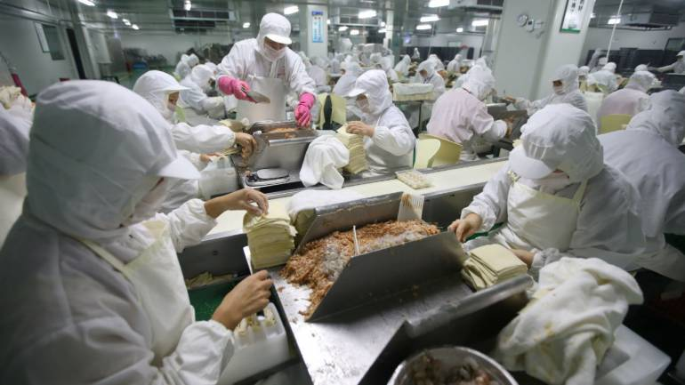 China manufacturing returns to growth in March: Caixin PMI