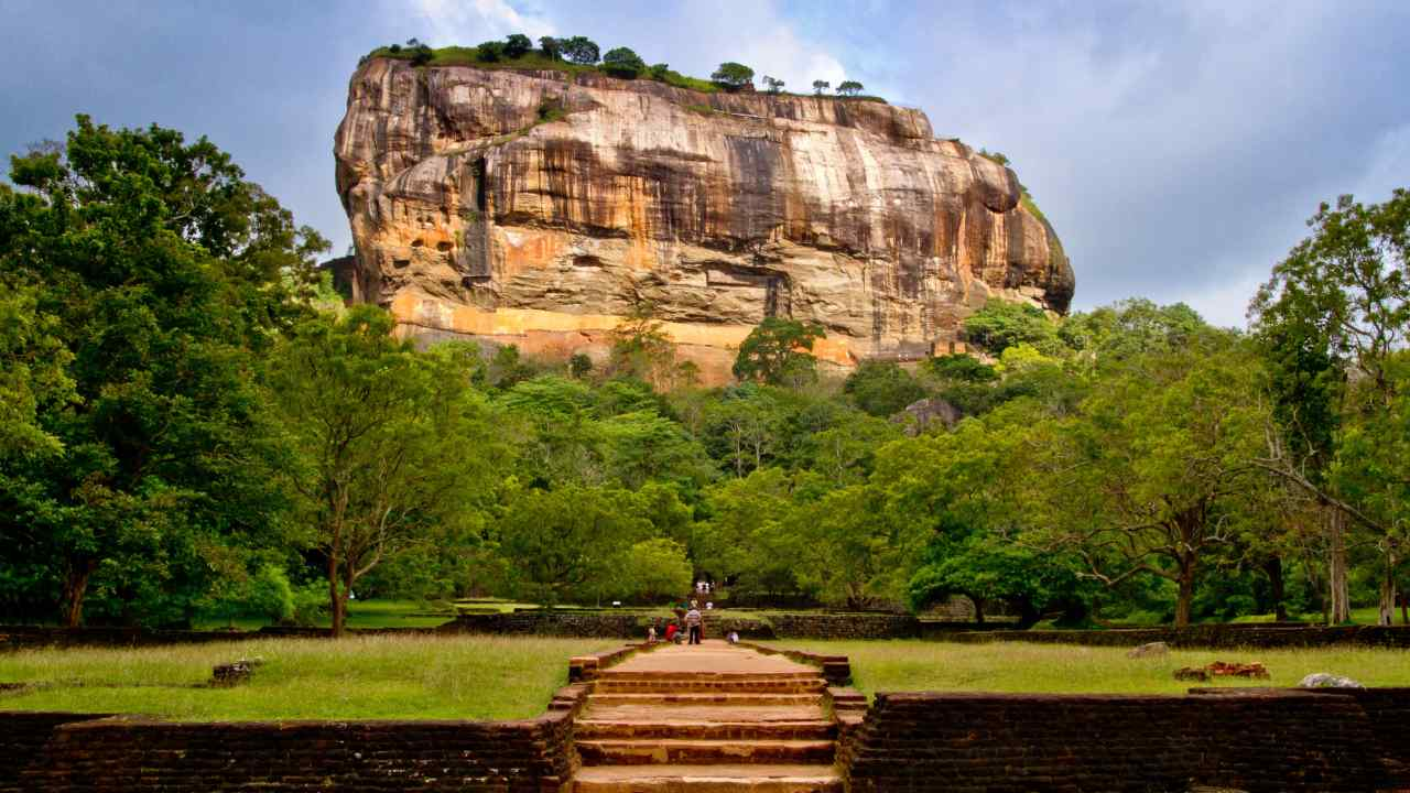 Sri Lanka | Best time to visit: December to March | Notable cities: Sigiriya, Galle| Sri Lanka has been rising as a popular tourists haven for the past few years. Its insanely diverse landscape, beautiful beaches, the hilly forests and historical places is a must to visit. (Image: pxhere)