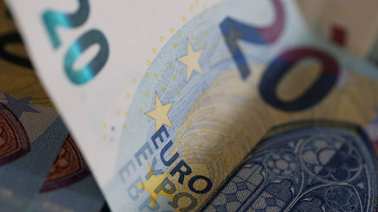 Euro | January 1: Rs 75.56, December 17: Rs 81.27, Percentage change: 7.03 (Image: Reuters)