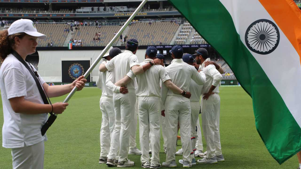 In pics| IND vs AUS 2nd Test, Day 2: Kohli, Rahane partnership keeps India afloat