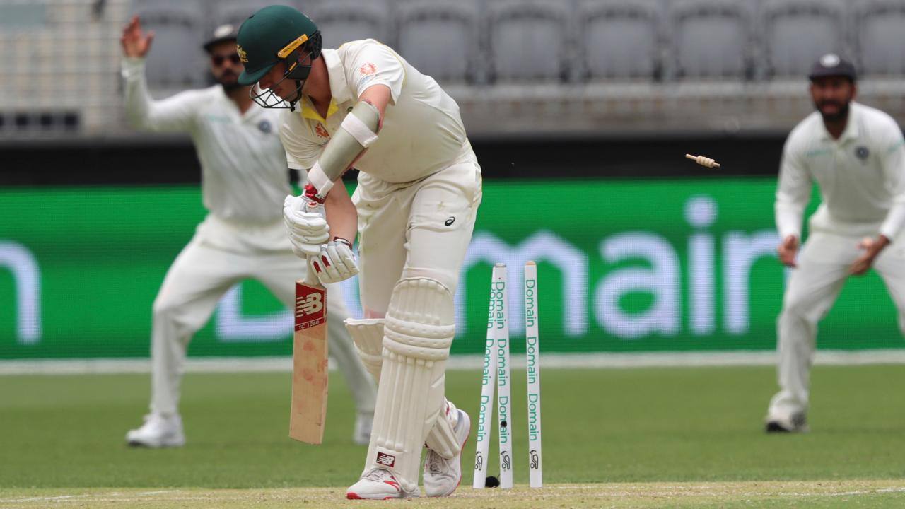 Umesh Yadav and Jasprit Bumrah came on after the first bowling change and immediately began to threaten the batsmen. Umesh got the breakthrough in the 105th over when he castled Cummins with an absolute peach. The ball which was angled into the batsman