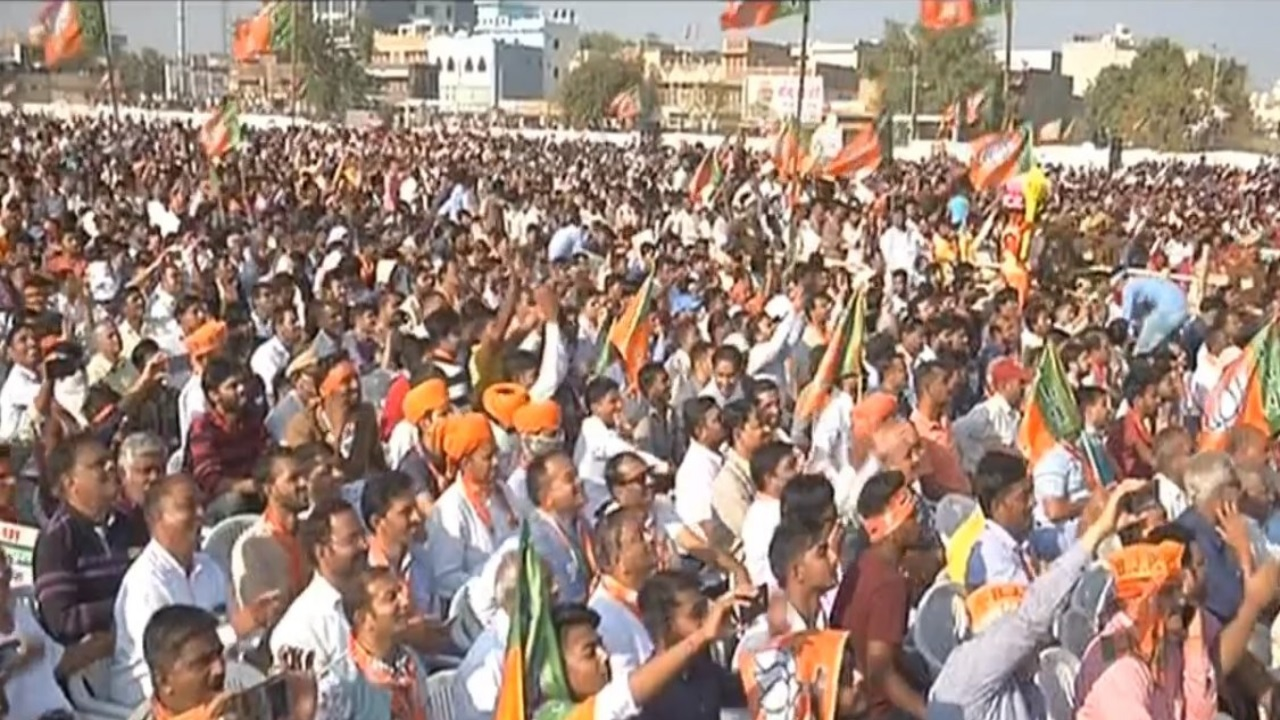 A large crowd gathers to listen to listen to prime minister Narendra Modi in Jodhpur. Image: @BJP4India