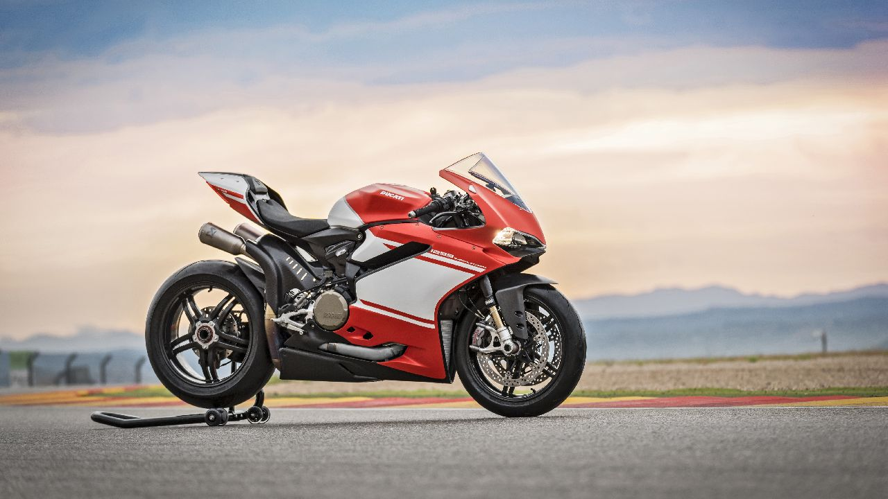 Ducati 1299 Superleggera | If any bike comes with a limited-edition tag, you know it is unique. But Ducati took it one step further when it limited the 1299 Superleggera to only 500 pieces to be sold worldwide, everyone of which was sold before the bike went into production. With 215 horses from the L-twin engine, advanced electronic riding aids, and a smooth, lightweight carbon fibre shell, the 1299 Superleggera is one of the closest options you can get to a MotoGP level superbike. (Image source: Ducati)