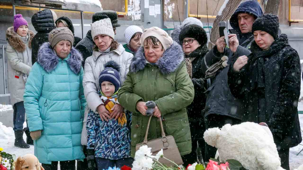 People gather to commemorate victims of a recent explosion in an apartment block in Magnitogorsk, Russia. (Image: Reuters)