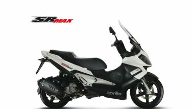 Aprilia SR Max 300 spotted on Indian roads: Check out specifications of the touring scooter