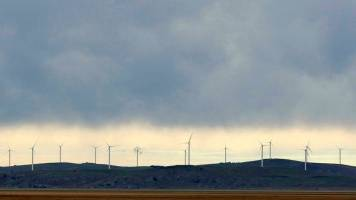 Australia's solar, wind boom to power past grid woes in 2019