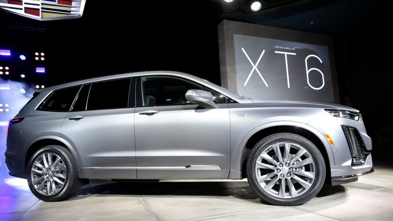 General Motors declared that Cadillac would lead its entry into the EV war, and an electric version inspired by the 2020 Cadillac XT6 SUV could be a viable consideration. (Picture Courtesy REUTERS/Rebecca Cook - RC1231B138B0)