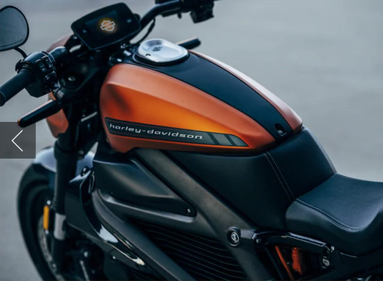 The bike is equipped with a telematics system called H-D Connect that uses LTE to feed data about the vehicle's performance, including battery status, service reminders and more via a dedicated app. Harley Davidson has claimed that LiveWire will be the first mass-market cellular-connected electric motorcycle. (Image: Harley-Davidson)