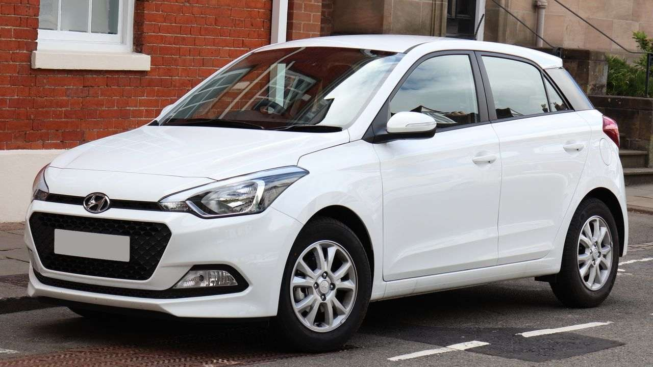 Securing the first spot, with 1.3 lakh units sold is Hyundai's i20, whose reliable build quality and economical options gave it an edge over its rivals (Image: Wikimedia Commons)