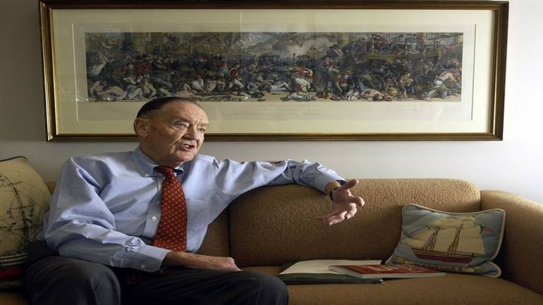 Investing legend John Bogle, who disrupted mutual fund industry with common sense, dies at 89