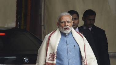 PM Modi offers prayers at Kedarnath, to visit Badrinath on May 19