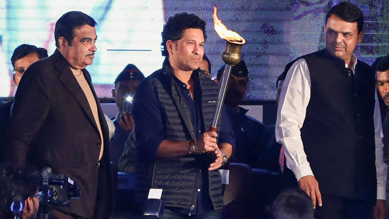 Veteran cricketer Sachin Tendulkar flanked by Union Minister Nitin Gadkari and Maharashtra Chief Minister Devendra Fadnavis (R) during the inauguration and opening ceremony of the second edition of 'Khasdar Krida Mahotsav 2019', in Nagpur. (PTI)