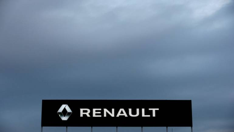 Fiat Chrysler in talks to forge extensive ties with Renault: Report - Moneycontrol.com