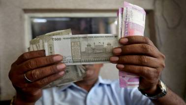 Bank officials fret over fake Rs 500 notes, alert staff: Report