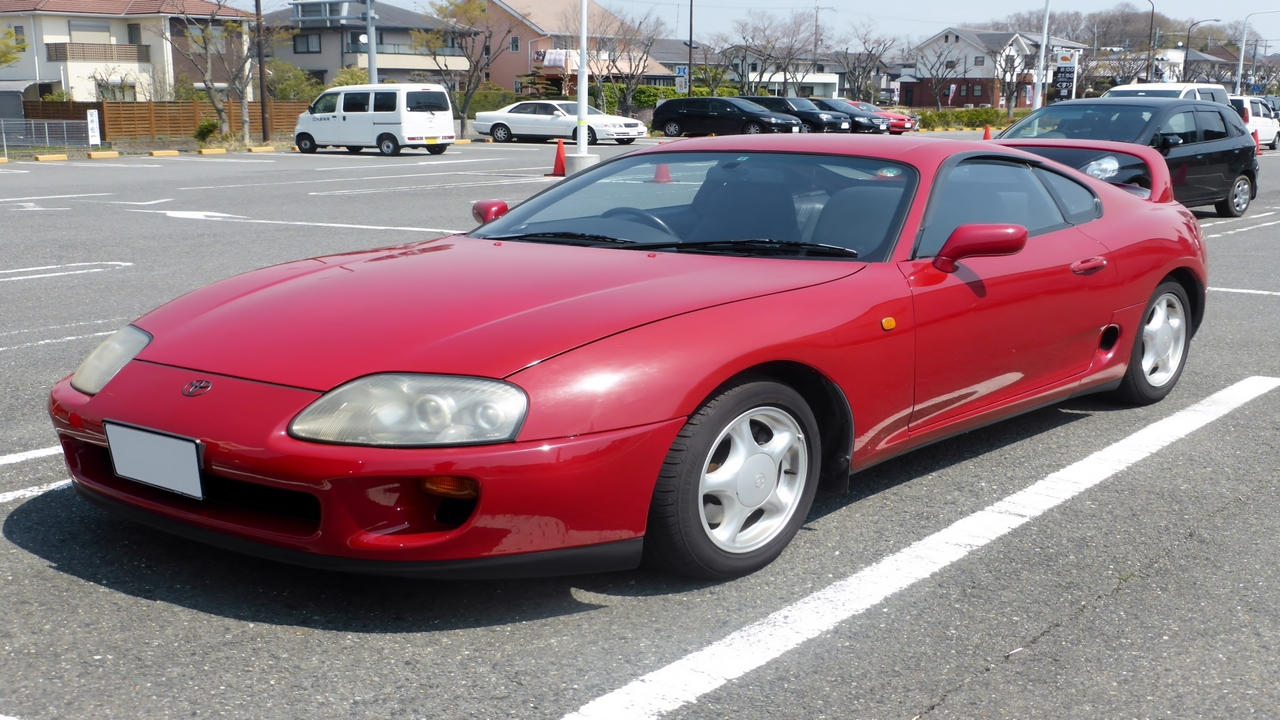 The fourth generation Supra saw a completely new look and came with an option of twin turbochargers. (Image source: Wikimedia Commons)